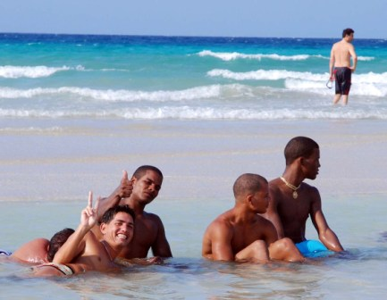 Havana East Beach.  Photo: Caridad