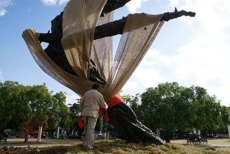 Alberto Lezcay with his monument to Wifredo Lam unveiled during the 10th Havana Biennial
