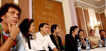 press-conference-01.jpg