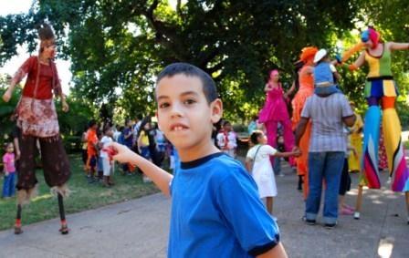 En el parque de h y 21 en el vedado se realiza una acividad para los niños como parte de las actividades en celebración del 50 aniversario del triunfo de la revolución