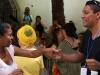 0028 Los participantes del grupo Pétalos de Amor en una  presentación de la Lic Beatriz Duque, de  Colombia