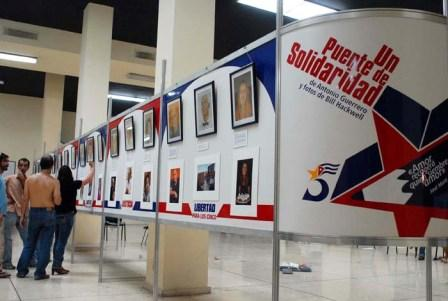 Havana, Oct. 8, 2008- Opening of the art exhibit Bridge of Solidarity. This exhibit includes 37 paintings by Antonio Guerrero of people in the solidarity movement in the struggle to free the Cuban 5. Guerrero took the images from photographs by North American photographer Bill Hackwell.