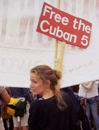 April 2002- First signs start to appear at anti war demos calling for the freedom of the Cuban 5 and to and end to U.S. threats against Cuba