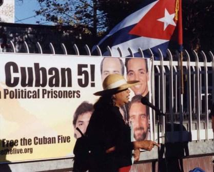 SF - street meeting in the Mission District calling for the freedom of the Cuban 5