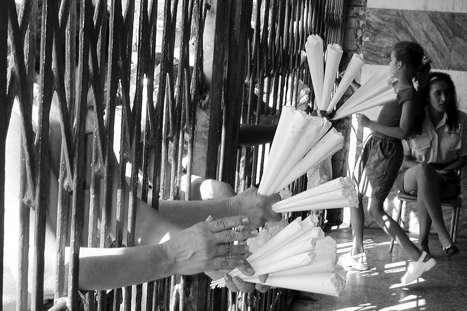 Vendedores en el Latino.  Angel Yu