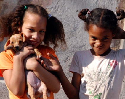 Cuban girls.  Photo: Caridad