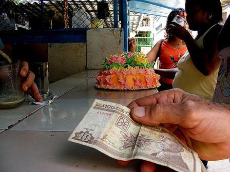 Selling cakes in Havana.