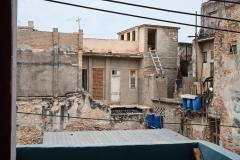 Buildings in poor condition and in danger of collapse in Los Sitios, Havana.