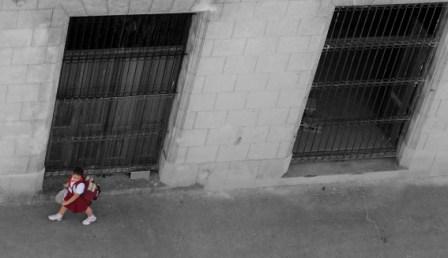 Havana girl off to school.  Photo: Caridad.