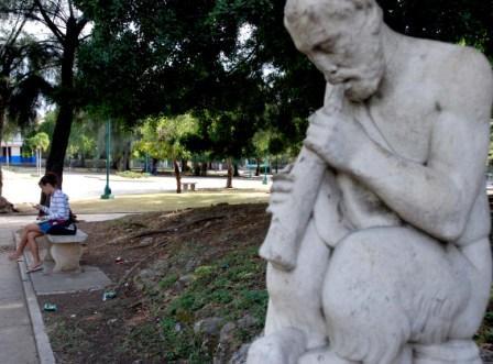 Park in Havana's Vedado district.  photo: Caridad