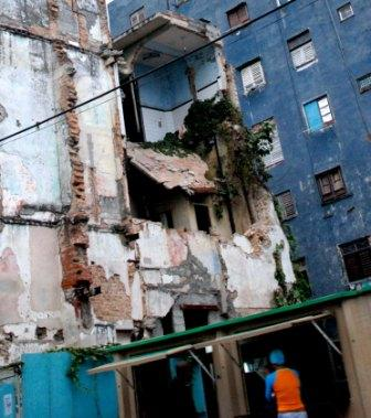 Living amid ruins and collapsed houses and buildings is common in several neighborhoods of the Cuban capital.