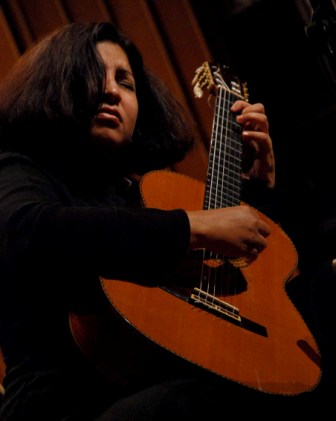 Rosa Matos, guitarrist