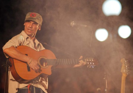 """Manu Chao in concert dedicated to """"Che"""" in Havana on Oct. 9, 2009"""