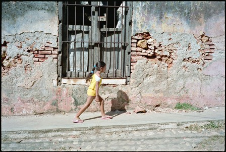 Child Walking, Trinidad.  Photo: Paul Harris