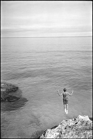 Diver, Havana. Photo: Paul Harris