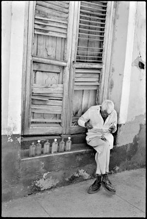 Reader, Trinidad.  Photo: Paul Harris