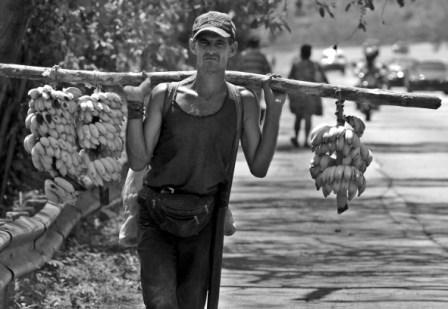 The government offered farmers more land, photo by Caridad