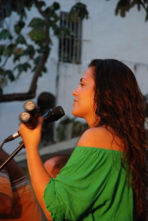 Mariela Ramos, back up singer of Asi Somos