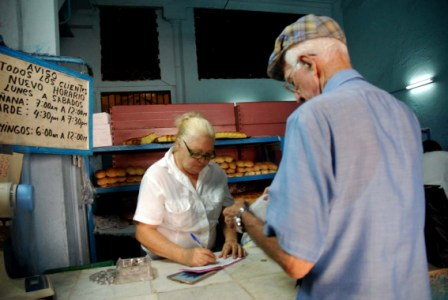 Cuban buying his rationed bread. Photo: Caridad