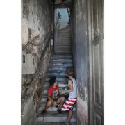 kids-on-the-stairs
