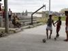 jugando-futbol-ponton