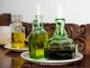 036 Los aceiteros y las vinagreras son antiguos frascos de perfume