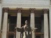 002-jpg La escalinata y su estatua del Alma Mater.