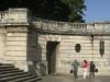 003-jpg La escalinata y su estatua del Alma Mater.