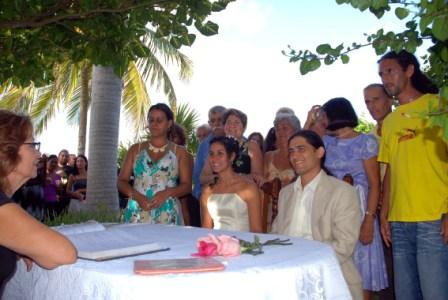 Getting married in Havana.  Photo: Caridad