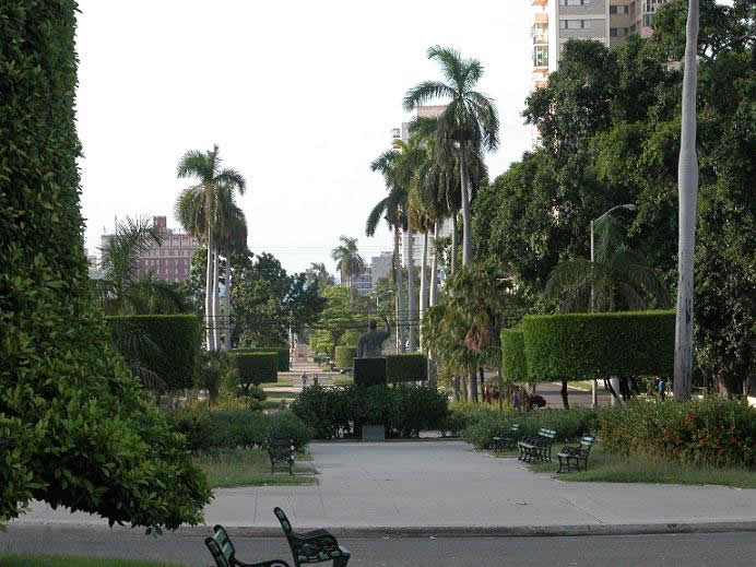 Avenue of the Presidents (photo taken from www.bedincuba.com)