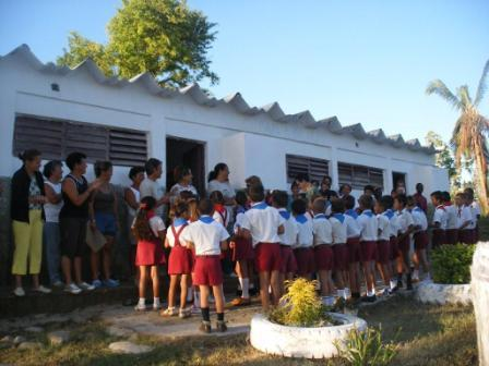 The La Vigia neighborhood school was the first repaired in Los Palacios