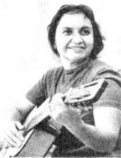 Violeta Parra wrote Gracias a la Vida