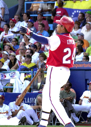 Frederich Cepeda was Cuba's top hitter in both the 2006 and 2009 Classics. This time around he finished with a spectacular .500 batting average.--Photo: Jose Luis Anaya