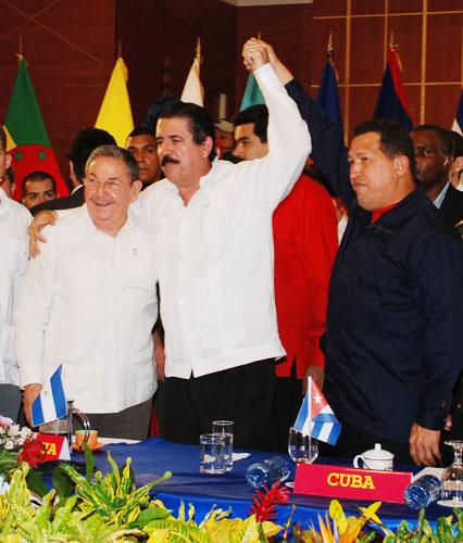 Raul Castro, Manuel Zelaya and Hugo Chavez