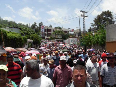 Hondurans rally for the return of President Manuel Zelaya. Photo: Luis Miranda