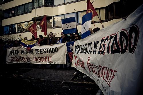 Manuel Zelaya plans to return to Honduras on Sunday.