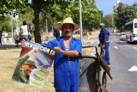 Cuban Workers, photo: Bill Hackwell