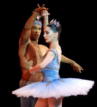 Carlos Acosta and Tamara Rojo in Havana - Photo: Caridad