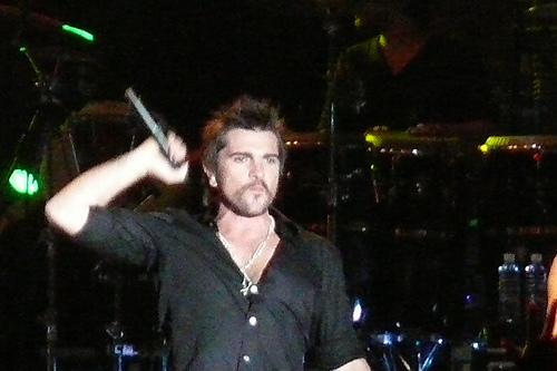 Juanes is holding firm on his Havana Peace Concert, photo: Gabriel Torreciallas
