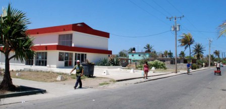 Main Street of the Havana suburb of Cojimar.  Photo: Caridad
