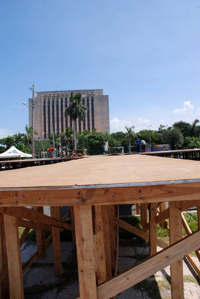 The bandstand is being readied in Havana's Plaza of the Revolution.  Photo: Caridad