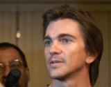 Juanes arrives in Cuba.