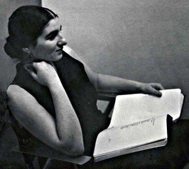 Margaret Randall in New York, 1959.  Photo by Eddie Johnson