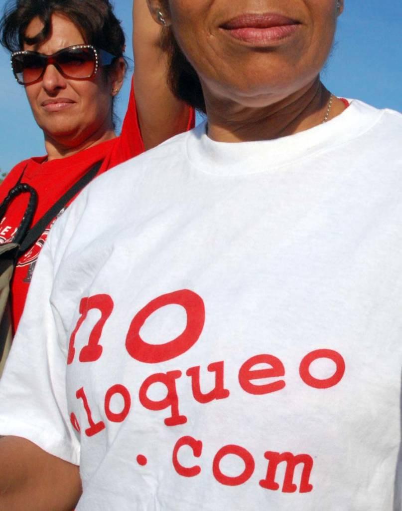 No Blockade.com - photo: Caridad