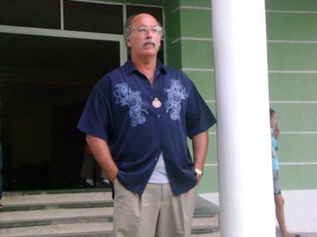 UC San Diego Profesor Patrick Velásquez