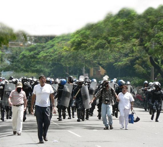 Repression continued despite the dialogue.  Photo: Giorgio Trucchi rel-UITA