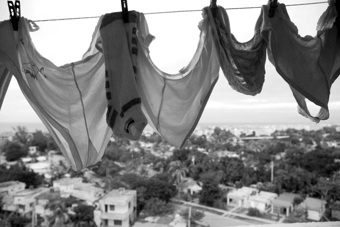 Intimacies - Photo: Caridad