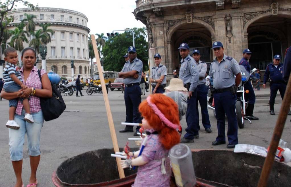 Hard Jobs.  Photo: Caridad