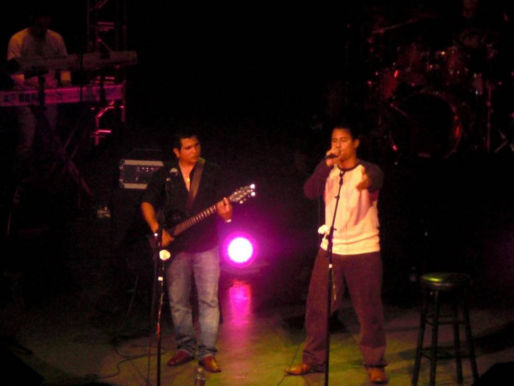 Buena Fe at their Miami Christmas Concert.  Photo: Yenise Rodriguez