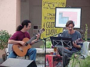 Jorge Garcia, right. Photo: centropablo.cult.cu/guitar/jorge.htm
